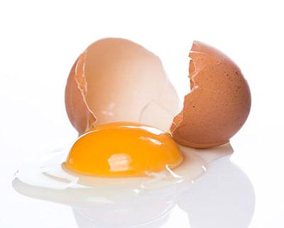 قناع بياض البيض لإزالة شعر الوجه