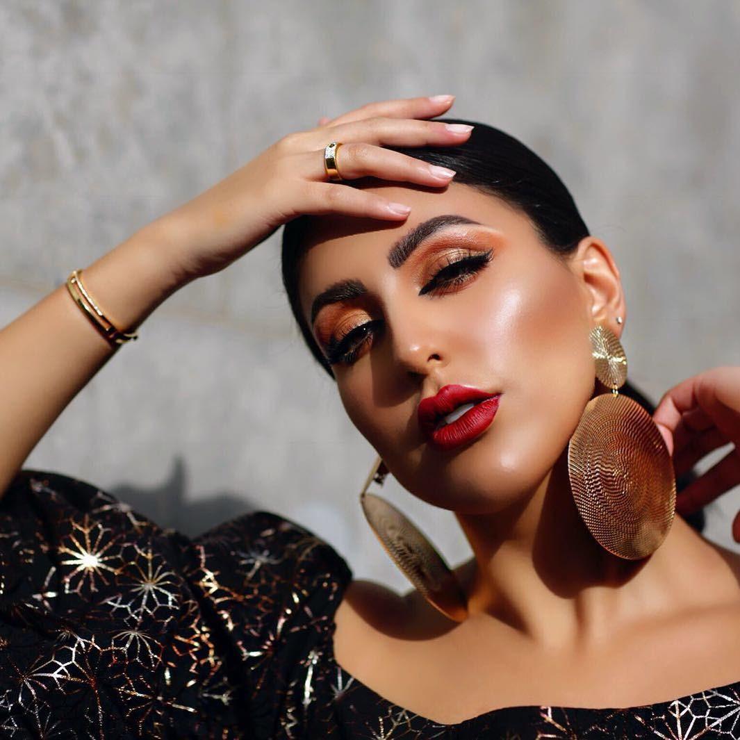 اطلالة المدونة دانة الطويرش