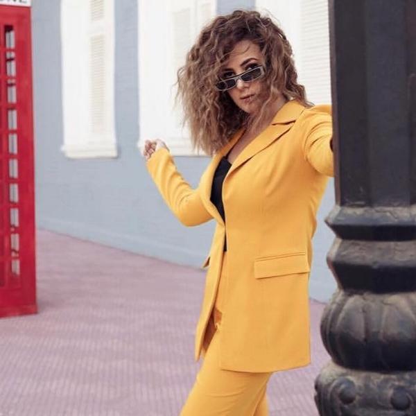 دنيا سمير غانم بالبدلة الرسمية