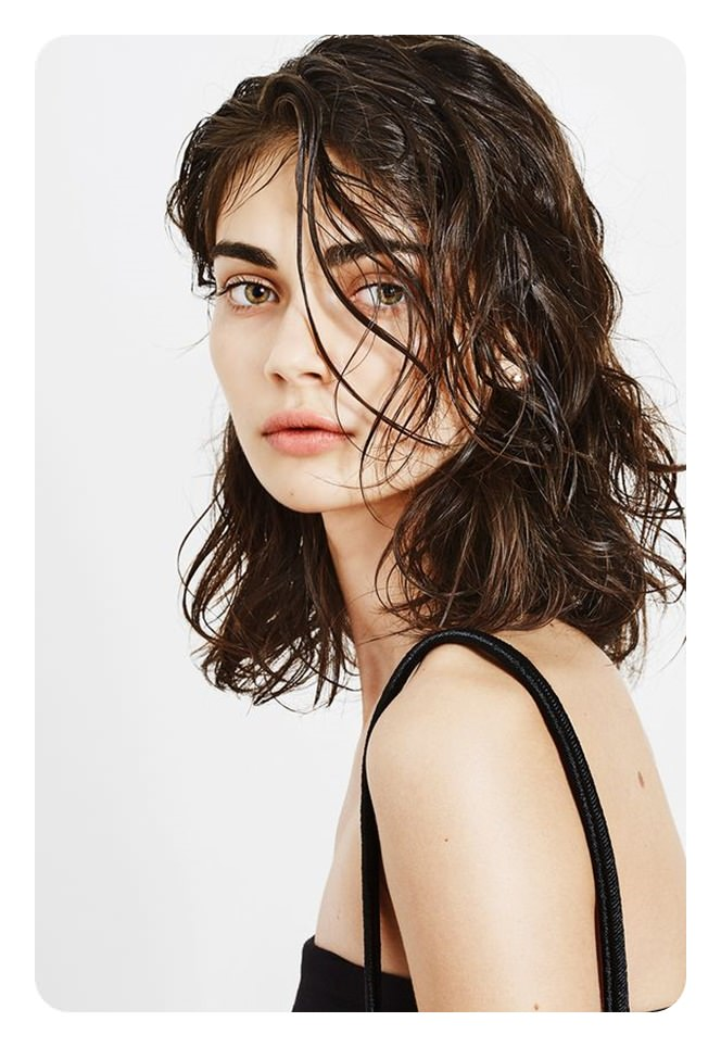 تسريحات شعر مبللة
