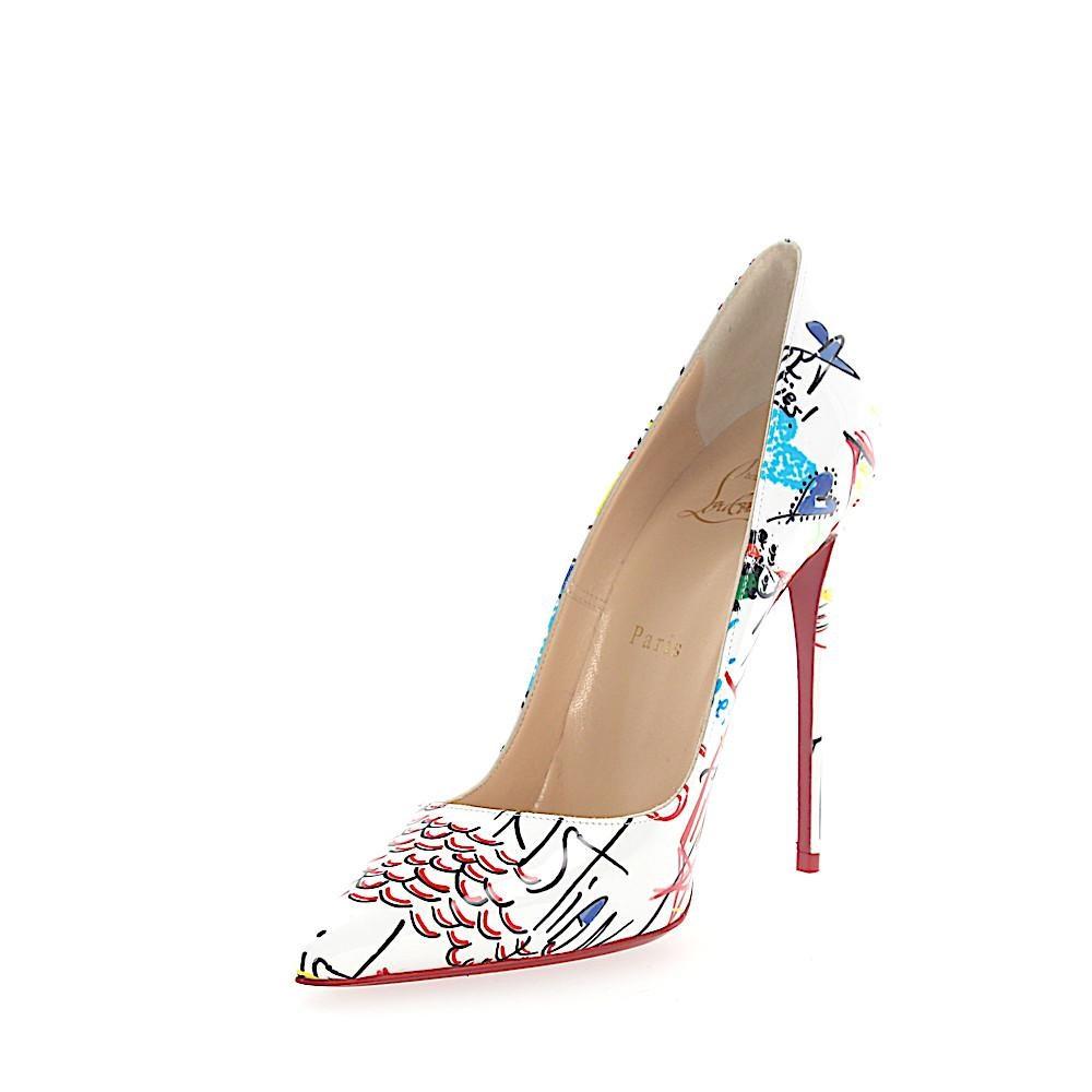 حذاء من كريستيان لوبوان