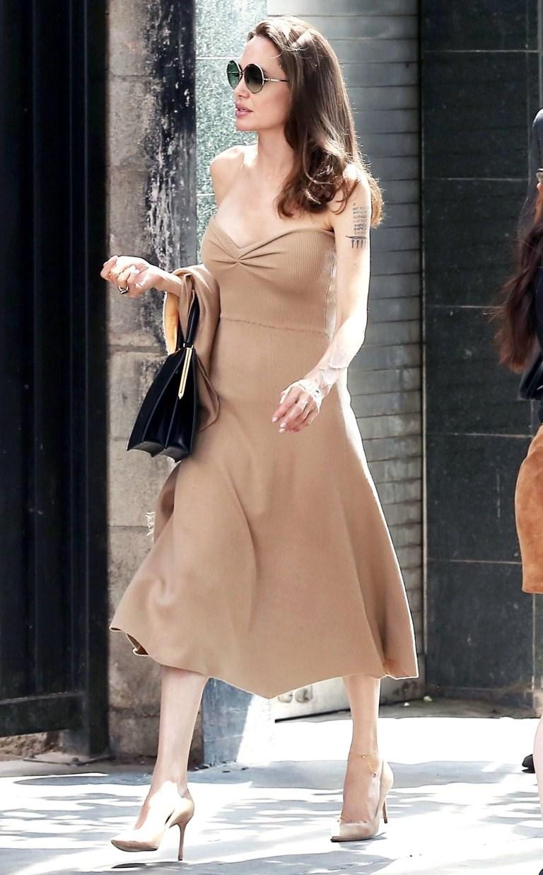 اطلالة انجلينا جولي