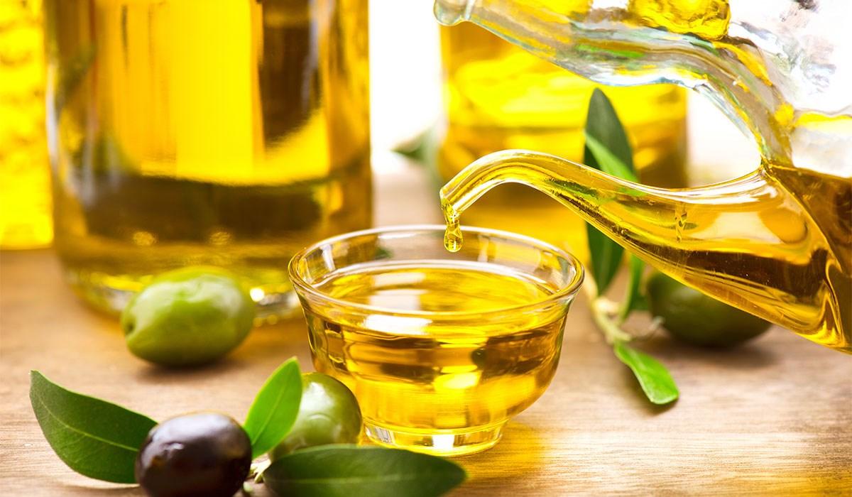 علاج تساقط الشعر بقناع عصير الليمون وزيت الزيتون