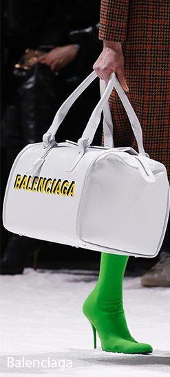 balanciagaحقيبة