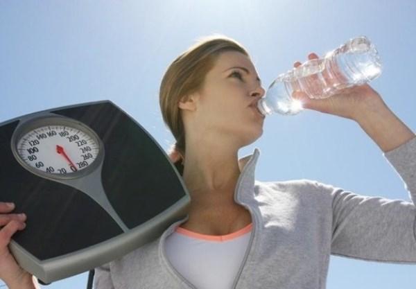 رجيم الماء فقط لإنقاص كيلوغرامين أسبوعيًا