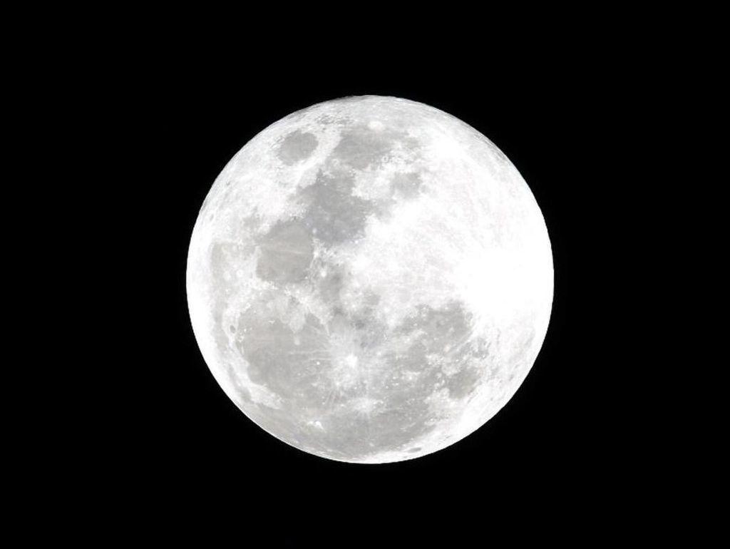 كوكب القمر