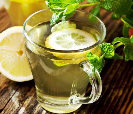 فوائد الماء الدافئ والليمون في التخسيس