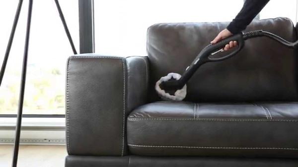 طرق تنظيف الكنب الجلد من البقع