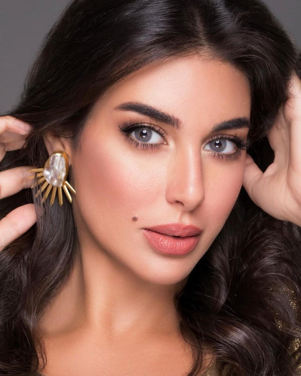 ياسمين صبري وأفخم المجوهرات
