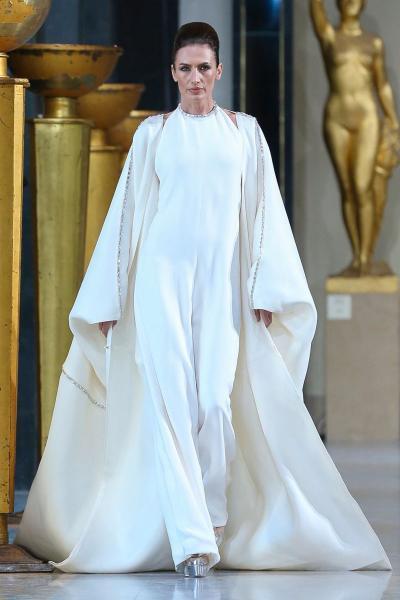 فساتين بيضاء مناسبة للزفاف