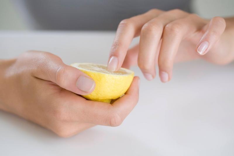 الخل الابيض والليمون