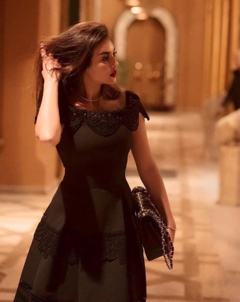 اطلالات ياسمين صبري بفساتين السهرة