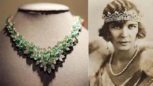 Queen Marie Jose's Emerald & Diamond Necklace قلادة الملكة ماري خوسيه