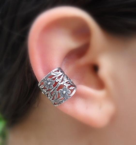 Ear Cuff  بشكل الخاتم