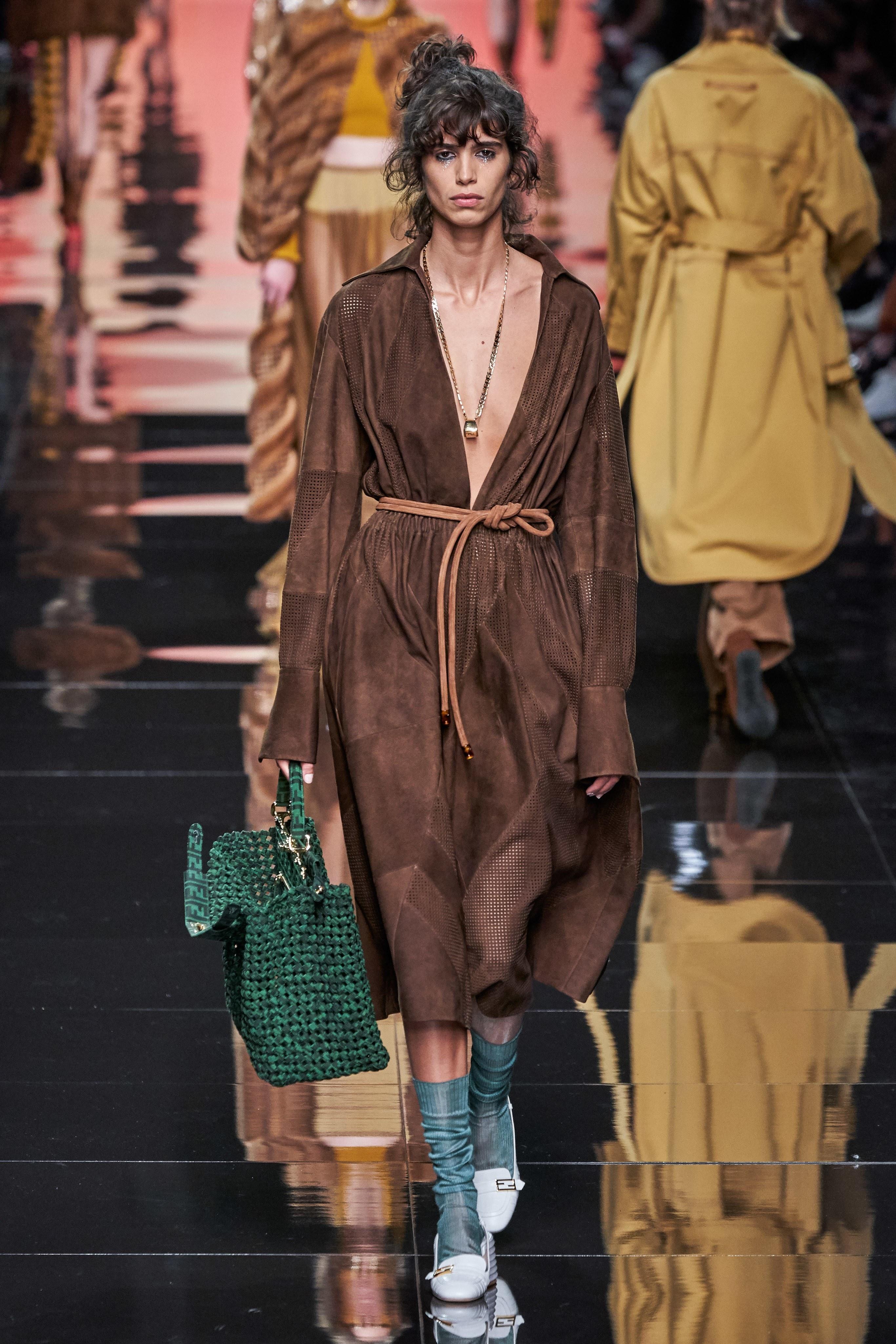 فستان عملي من مجموعة Fendi