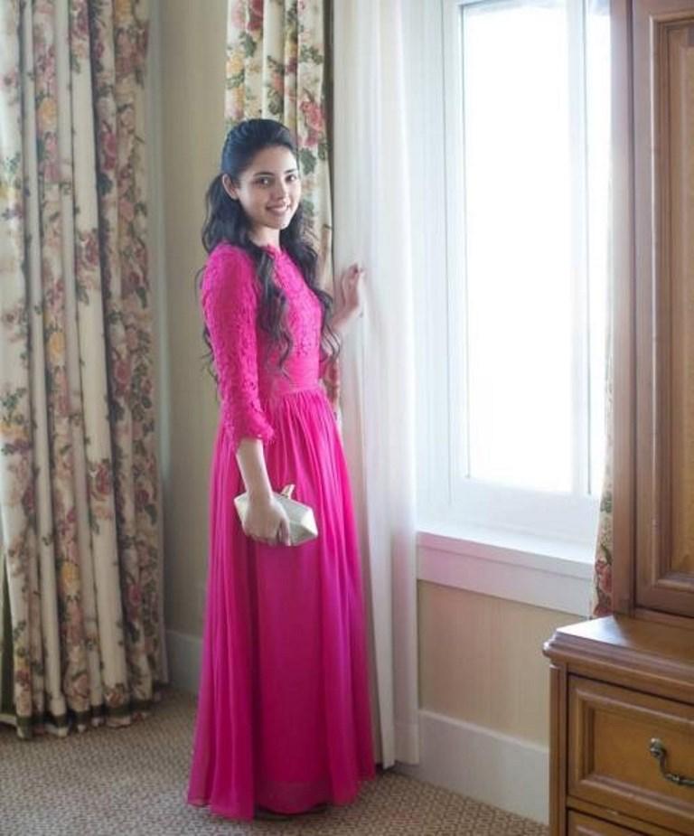 فستان ناعم باللون الفوشيا
