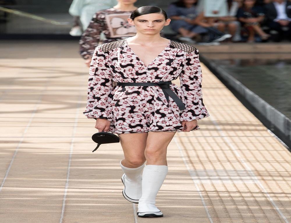 فستان ناعم من مجموعة لونشان