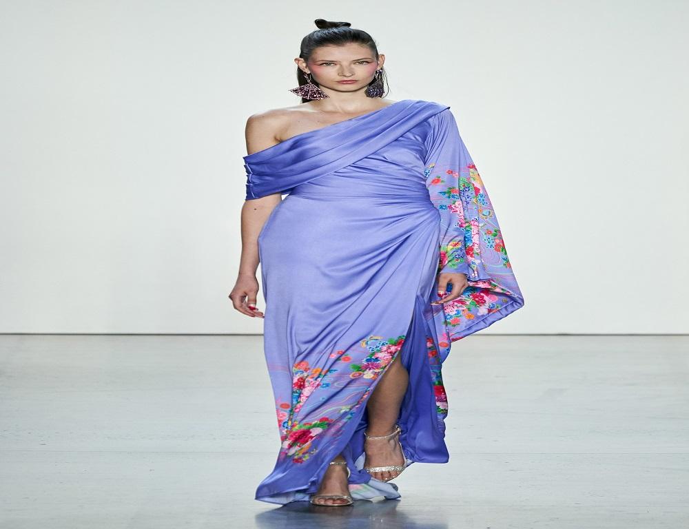 فستان أوف شولدر من مجموعة تداشي شوجي