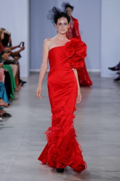 فستان سهرة جورج شقرا