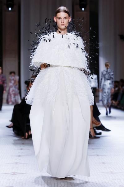 فستان سهرة جيفنشي