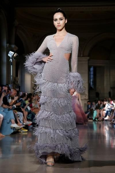 فستان من تصميم رامي قاضي