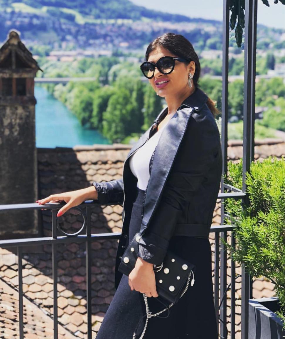 نظارات شمسية مميزة على طريقة أميرة محمد