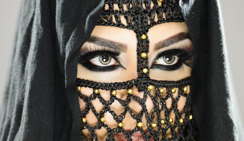 الكحل العربي لإطلالة عربية بامتياز