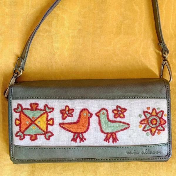 حقيبة صغيرة مستوحاة من الحضارة المصرية