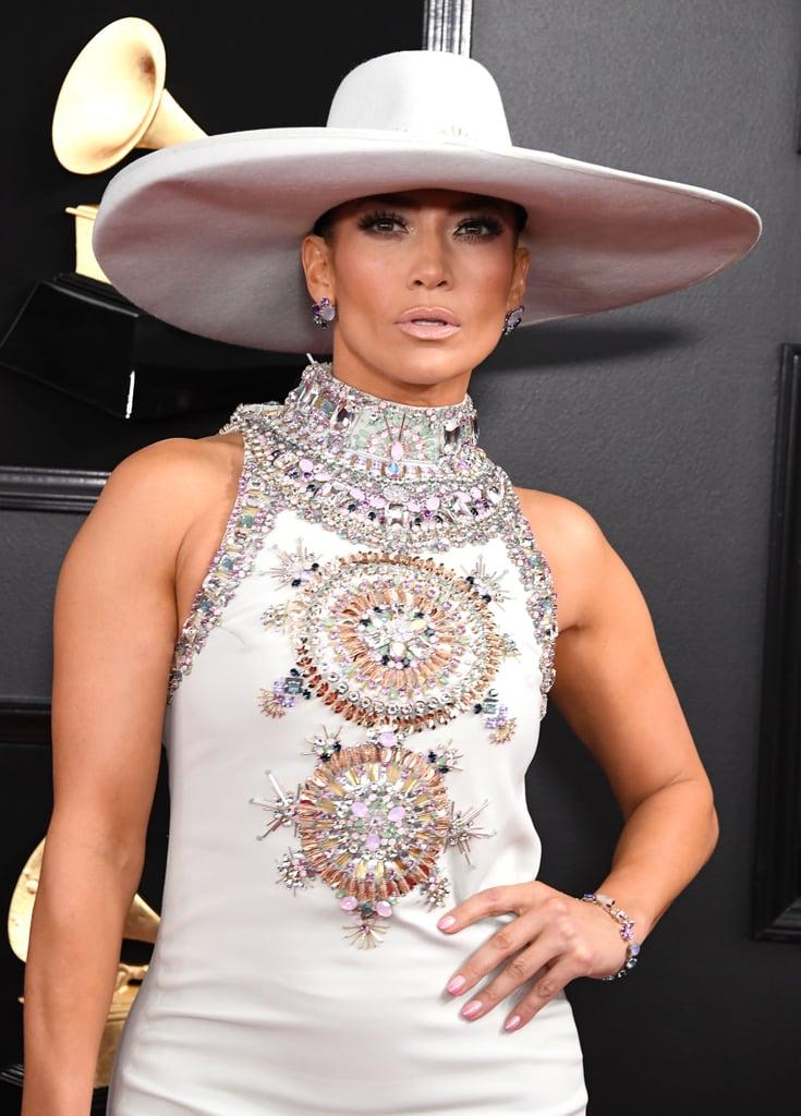 أظافر عارية من Jennifer Lopez