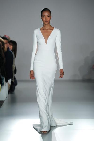 فستان زفاف ناعم قبة V