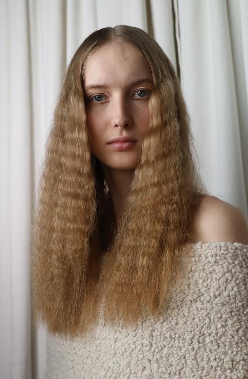 تسريحة الشعر المجعّد