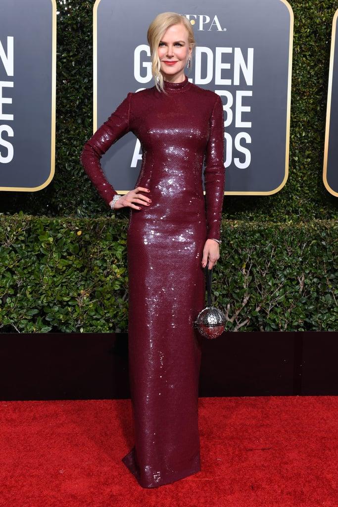 مناكير أحمر دافئ من Nicole Kidman