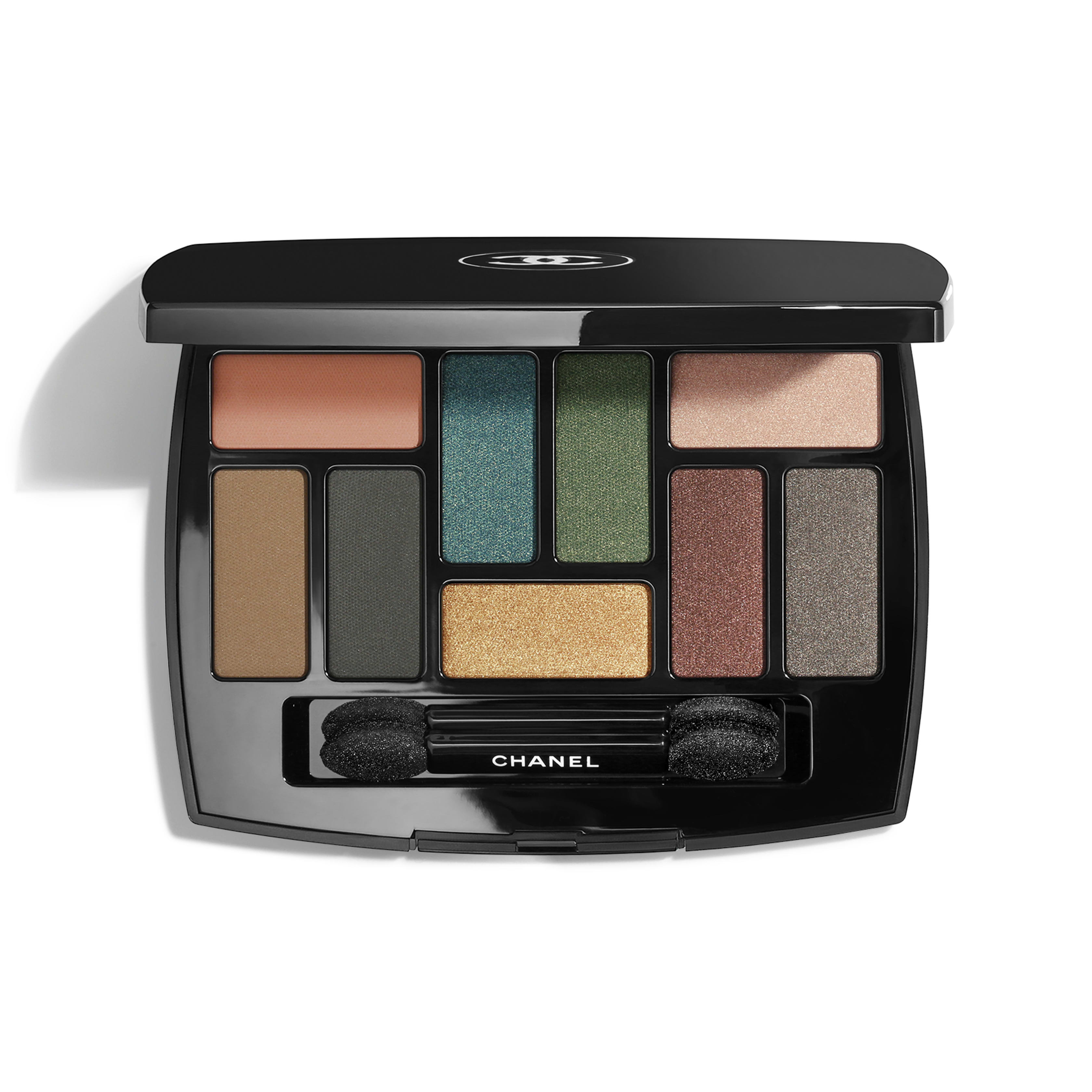 CHANEL Les 9 Ombres Multi-Effects Eyeshadow Palette