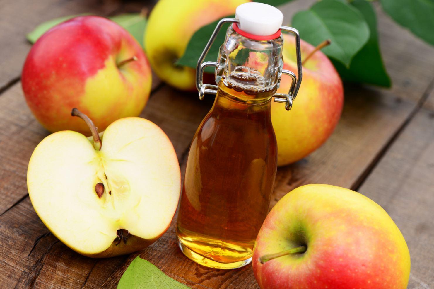 زيت جوز الهند وخل التفاح
