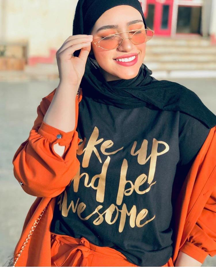 الحجاب باللون الأسود من دينا فاروق