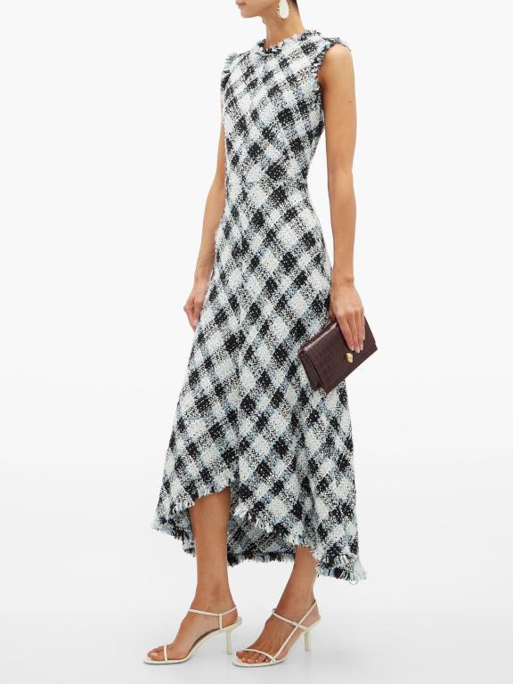 كلاتش مع فستان