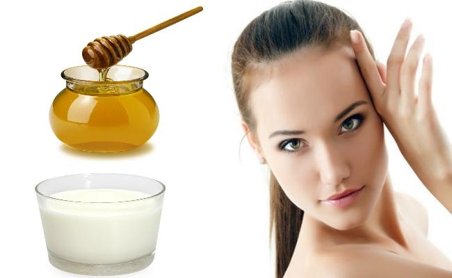 حليب جوز الهند مع العسل والنشا