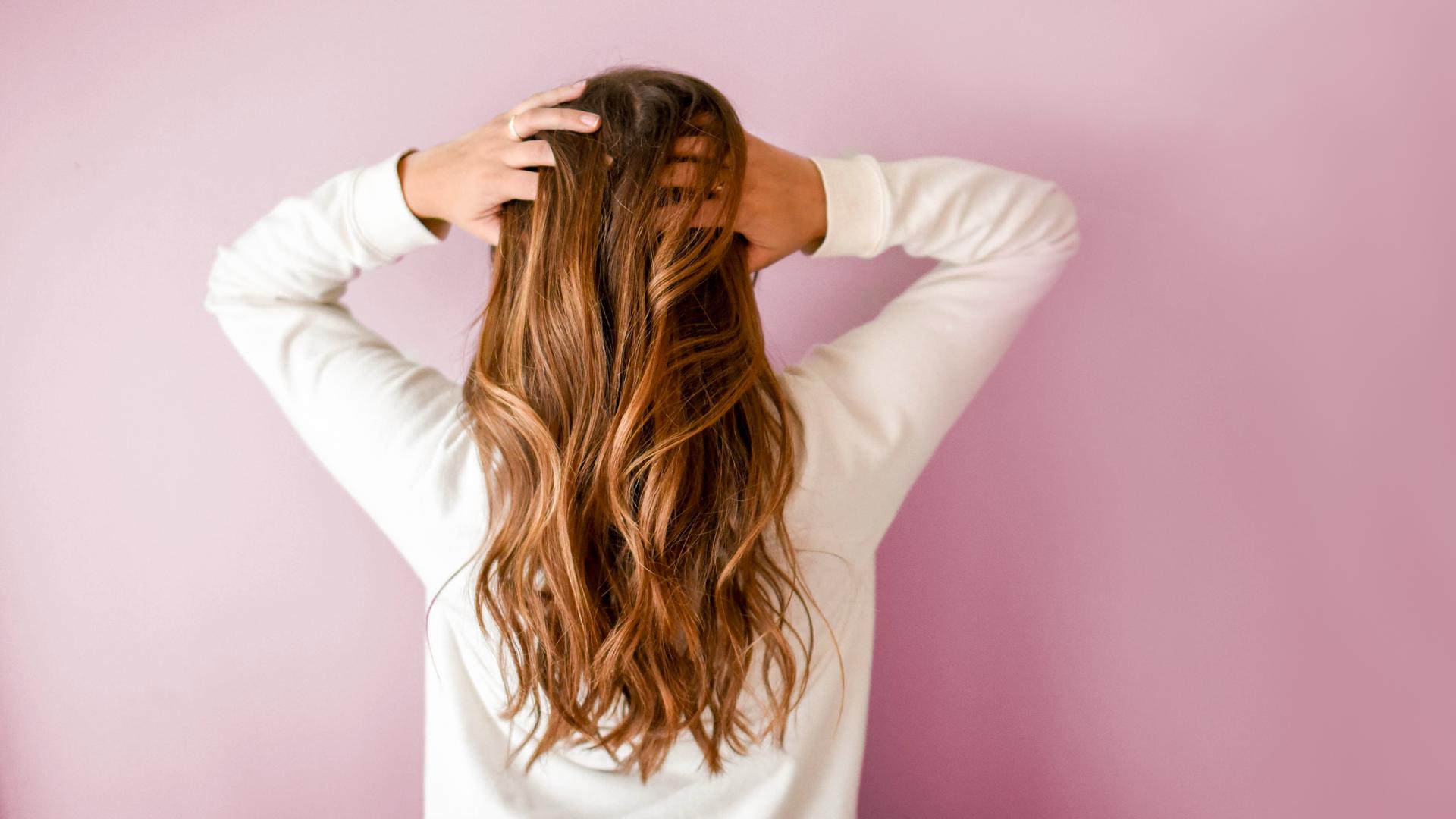 ماسكات طبيعية تساعدك على علاج فراغات الشعر
