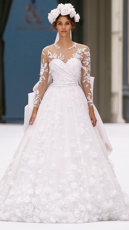 فستان زفاف ضمن  مجموعة رالف أند روسو لـ خريف 2019