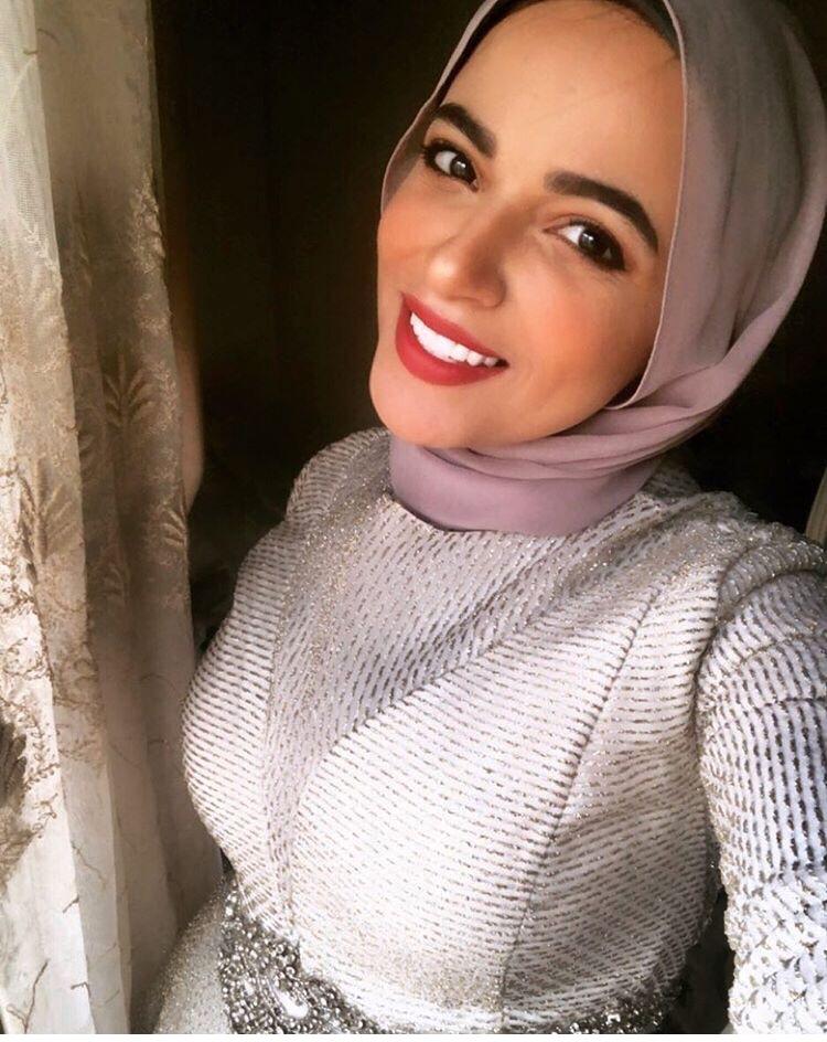 سهر فؤاد بالحجاب الأرجواني