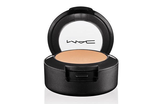 MAC Studio Finish SPF 35