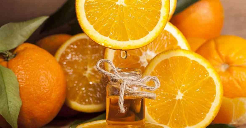 ماسك البرتقال وزيت اللوز الحلو