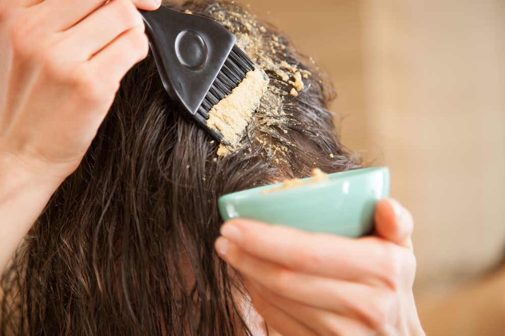 ماسك الكركم لعلاج تساقط الشعر وترطيبه
