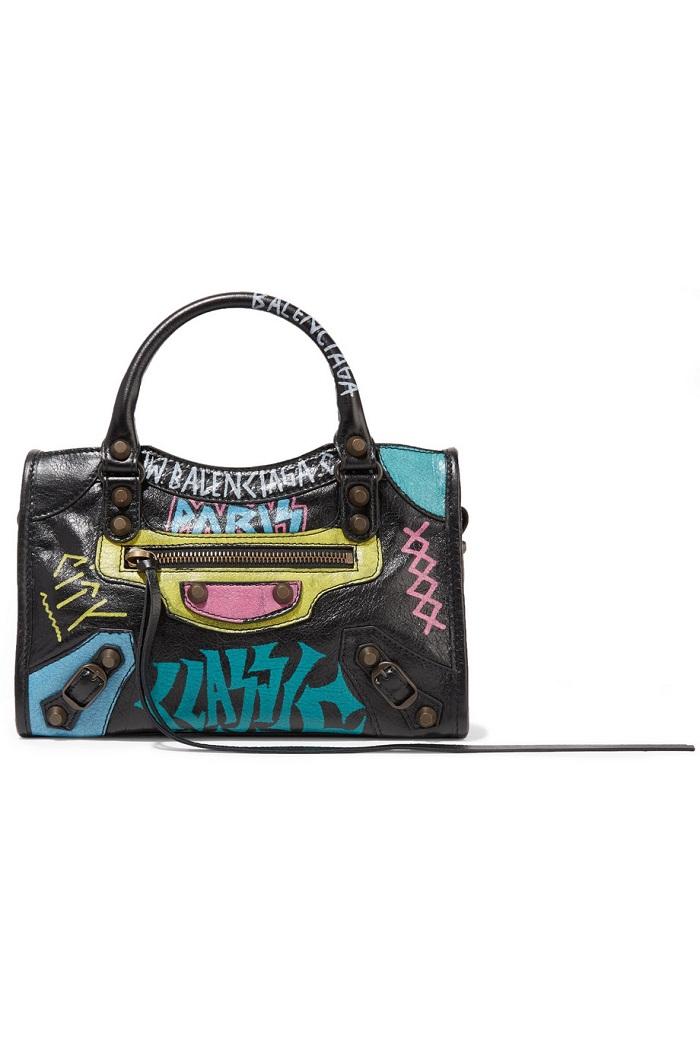 حقيبة يد ملونة بتصميم كلاسيكي من Balenciaga