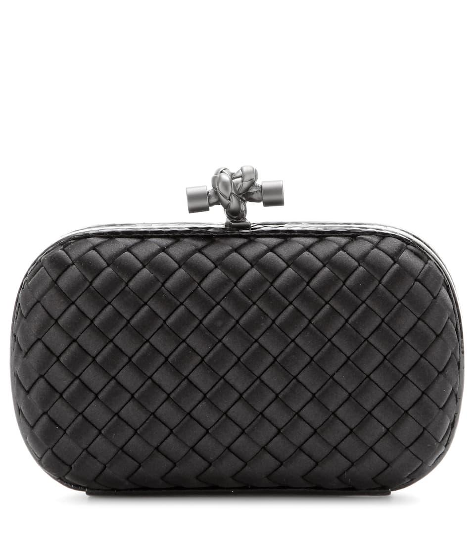 حقيبة يد كلاتش باللون الأسود الأنيق من Bottega Veneta