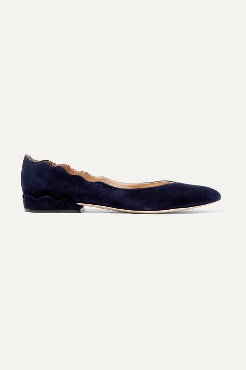 حذاء فلات مخمل بتصميم لافت من Chloé