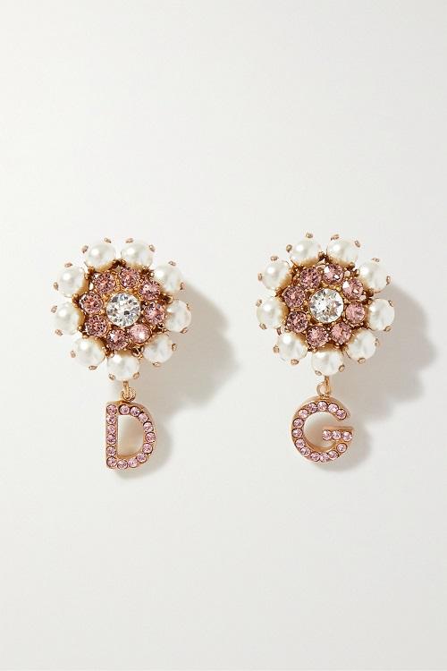أقراط مرصعة بالأحجار الكريمة من Dolce and Gabbana