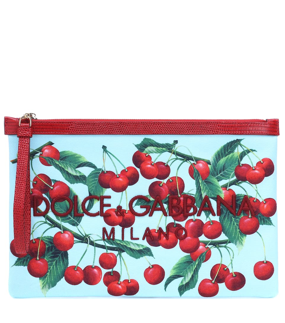 حقيبة يد كلاتش تليق بالإطلالات الكاجوال من Dolce and Gabbana