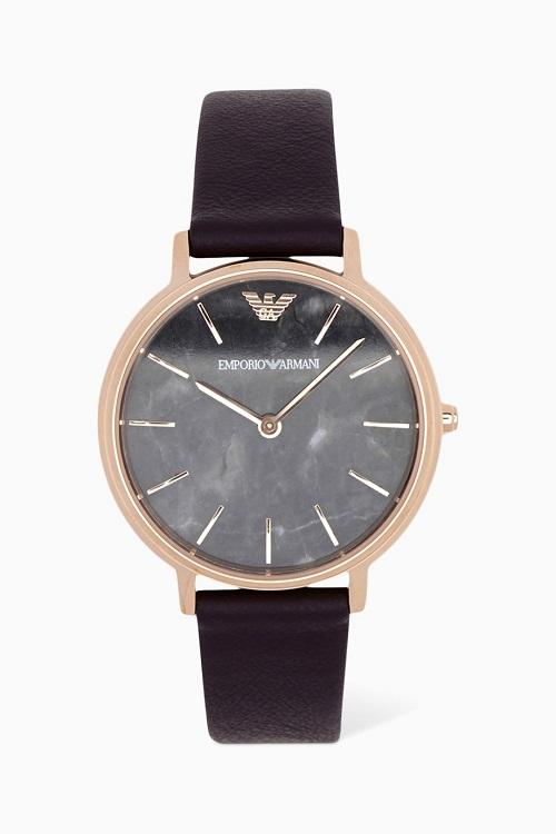 ساعة باللون الأسود بتصميم أنيق من Emporio Armani