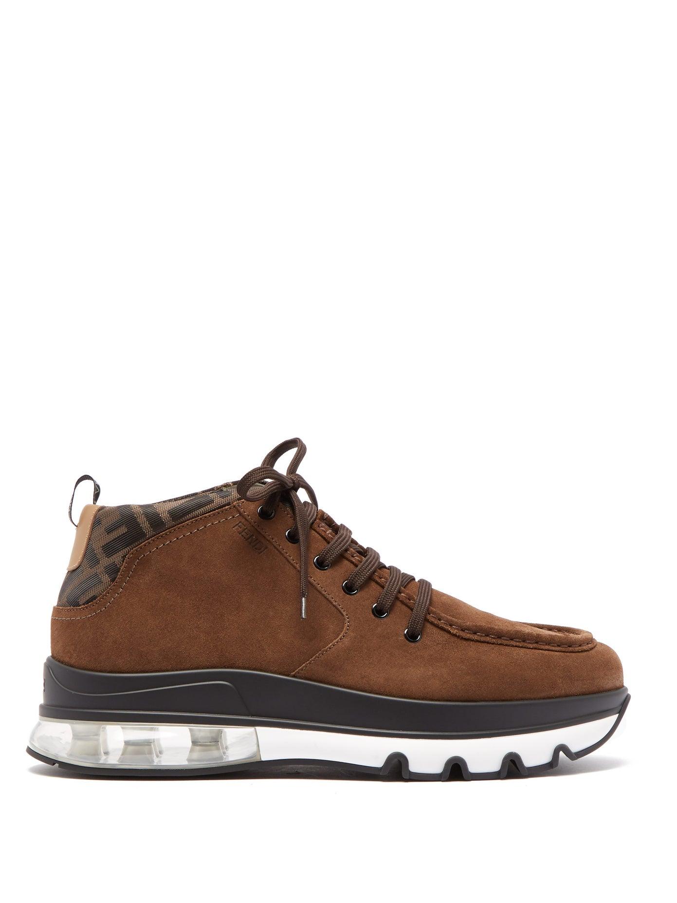 حذاء بتصميم رياضي من Fendi
